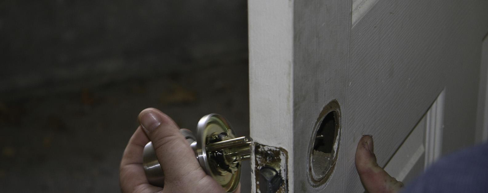 Facing-lockout